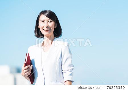 비즈니스 여성 수석 70223350