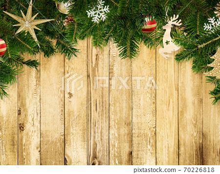 聖誕裝飾品的木牆-有多種變化 70226818
