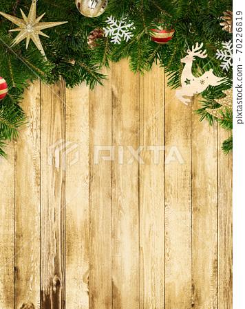 聖誕裝飾品的木牆-有多種變化 70226819