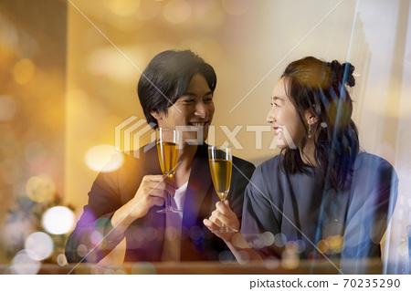 夜景夫婦酒吧形象 70235290