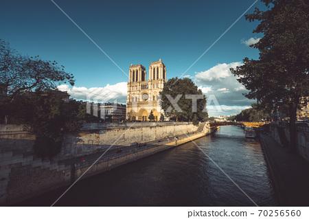 Notre Dame de Paris, France 70256560
