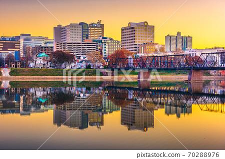 Harrisburg, Pennsylvania, USA skyline on the Susquehanna River 70288976
