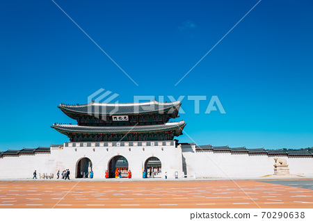 Gyeongbokgung Palace Gwanghwamun gate in Seoul, Korea 70290638