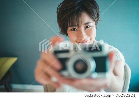 아라서 카메라 여자 70292221