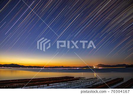 星景 사진 아침 놀 하늘에 내리는 별 70304167