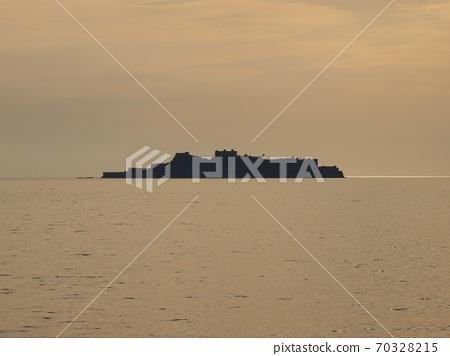 A panoramic view of Gunkanjima: It really looks like a battleship. 70328215
