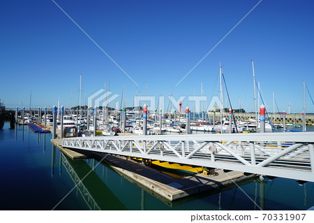 Jeongok Port 70331907