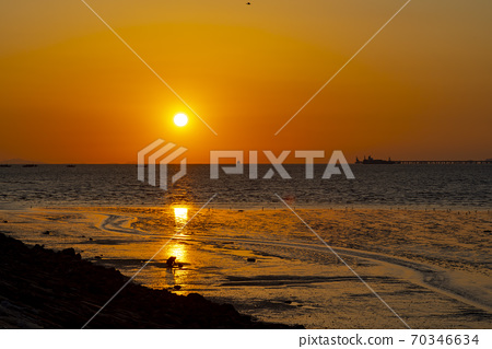 Sunset, songdo, incheon 70346634