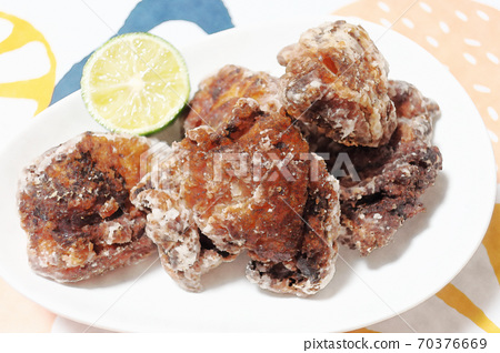 """Homely and rustic homemade """"fried chicken thighs (fried chicken)"""" watercolor style 70376669"""
