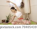 做瑜伽的女人 70405439