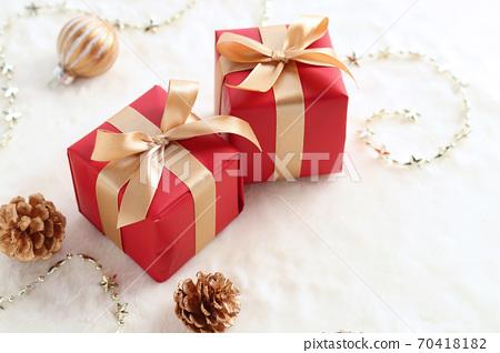 크리스마스 선물 70418182