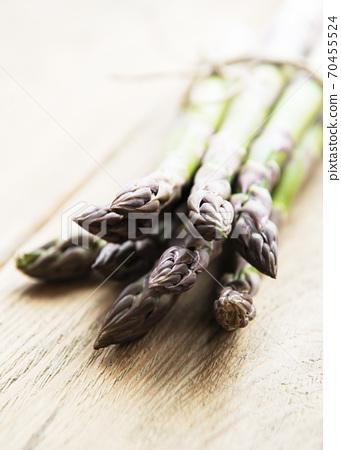 Fresh green asparagus 70455524