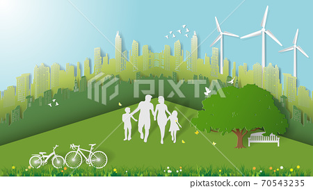 Green energy concepts, family are walking in city parks 70543235