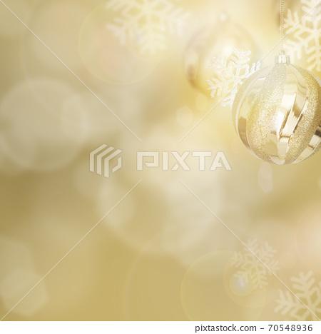 閃閃發光的金色抽象背景-有多種變化 70548936
