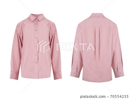 在白色背景上的整潔的粉紅色襯衫 70554235