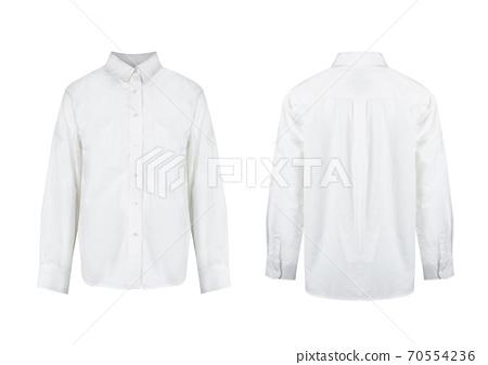 在白色背景上的整潔的白襯衫 70554236