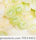 長洋蔥與心臟的橫截面 70554952