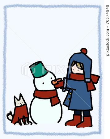 눈이 쌓인 날에 강아지와 함께 눈사람을 만들고있는 소년의 게시판 (세로) 70574848