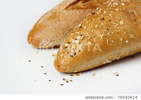 Loaves of bread 70593614