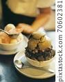 刨冰,讓您想在炎熱的夏天吃東西(膠卷照片) 70602381