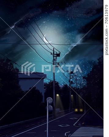 밤하늘 빛나는 달과 어두운 밤길을 달리는 자동차 70613979