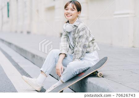 Woman, streetstyle 70626743