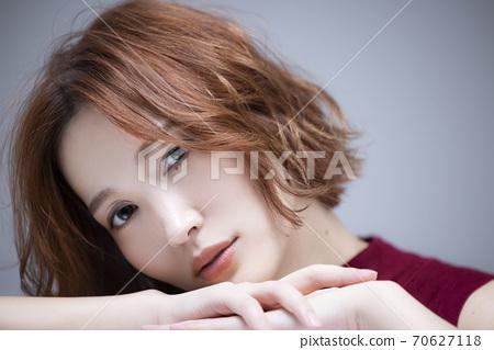 Women beauty hair care 70627118