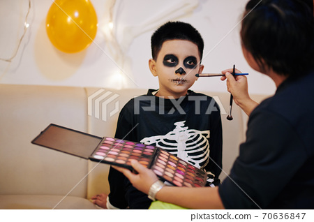 Scary Halloween look 70636847