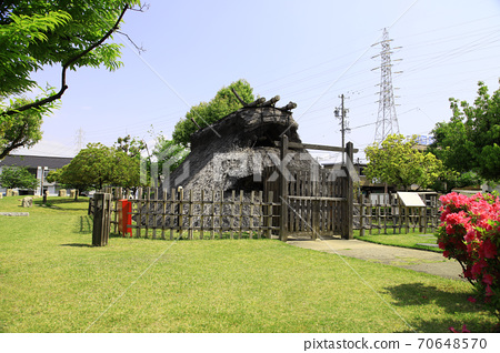 Ruins of a pit dwelling in the Yayoi period (Iwakura City, Aichi Prefecture) 70648570