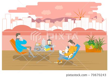 男女露營在陽台上 70670243