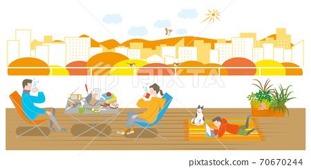 露營在陽台上的男人,女人和男孩 70670244