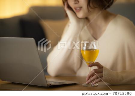 在线酒会视频通话 70718390