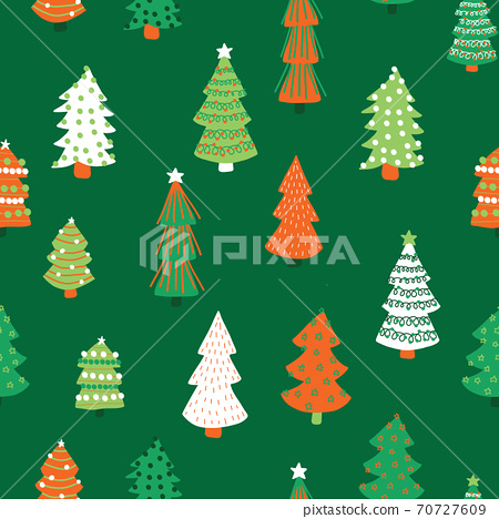 Christmas trees vector pattern. Seamless background hand drawn doodle trees. Decorative holiday 70727609