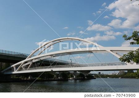 大阪府宮古島區與北區之間的大川大橋(前淀川) 70743900