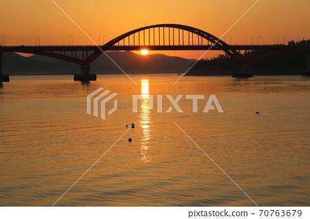 江津郡,馬央港,日出,漁村,船舶 70763679