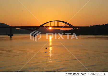 江津郡,馬央港,日出,漁村,船舶 70763681
