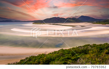 Hill Inlet at Whitsunday Island at sunrise 70765062