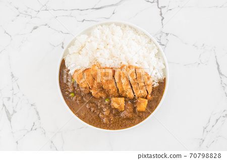 fried cutlet pork with curry on rice 70798828
