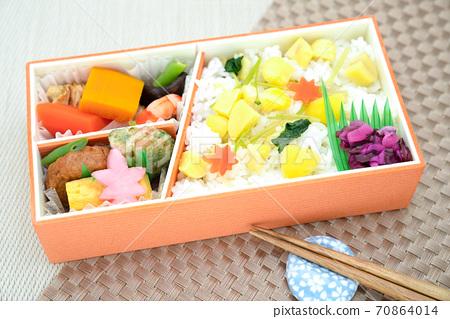 Autumn taste chestnut rice lunch 70864014