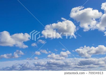 상쾌한 푸른 하늘 70934913