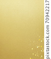 Simple background of gold leaf and gold powder-there are multiple variations 70942217
