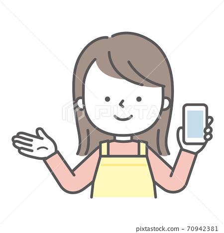 戴著圍裙的女人用智能手機解釋的插圖 70942381