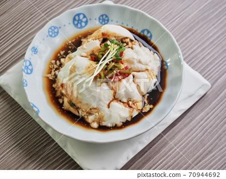 亞洲食品豆腐和醬油 70944692