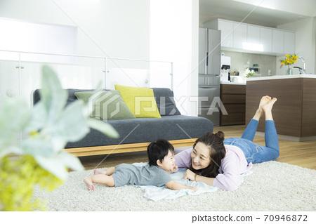 寶貝和媽媽 70946872