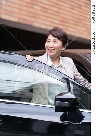 企業形象:騎車的女人 70959832