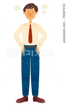 一個穿著西裝的年輕人用他的手在他的腰上生氣 70967058