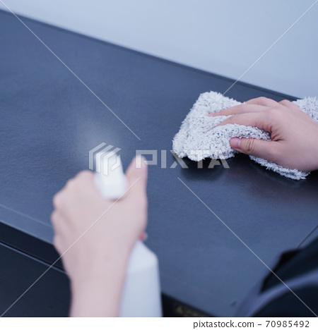清潔 乾淨 防疫 家事 家務 clean wipe table surface 家政婦 クリーナー 70985492