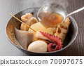 6 types of oden served in a bowl 70997675