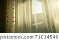 西陽 들어가는 창문 71014540