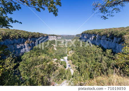 Baume Les Messieurs village, Valley, canyon from Jura 71019850
